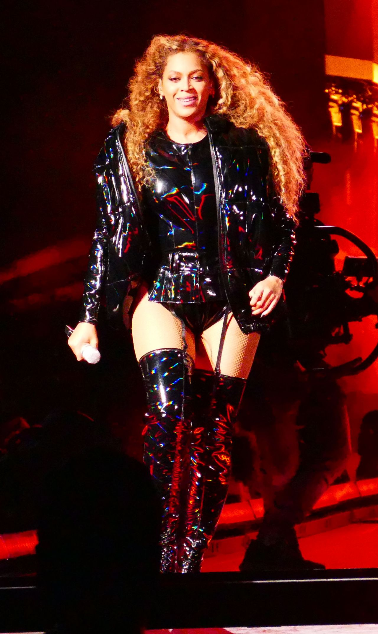 beyonce performs in leather at coachella 04212018