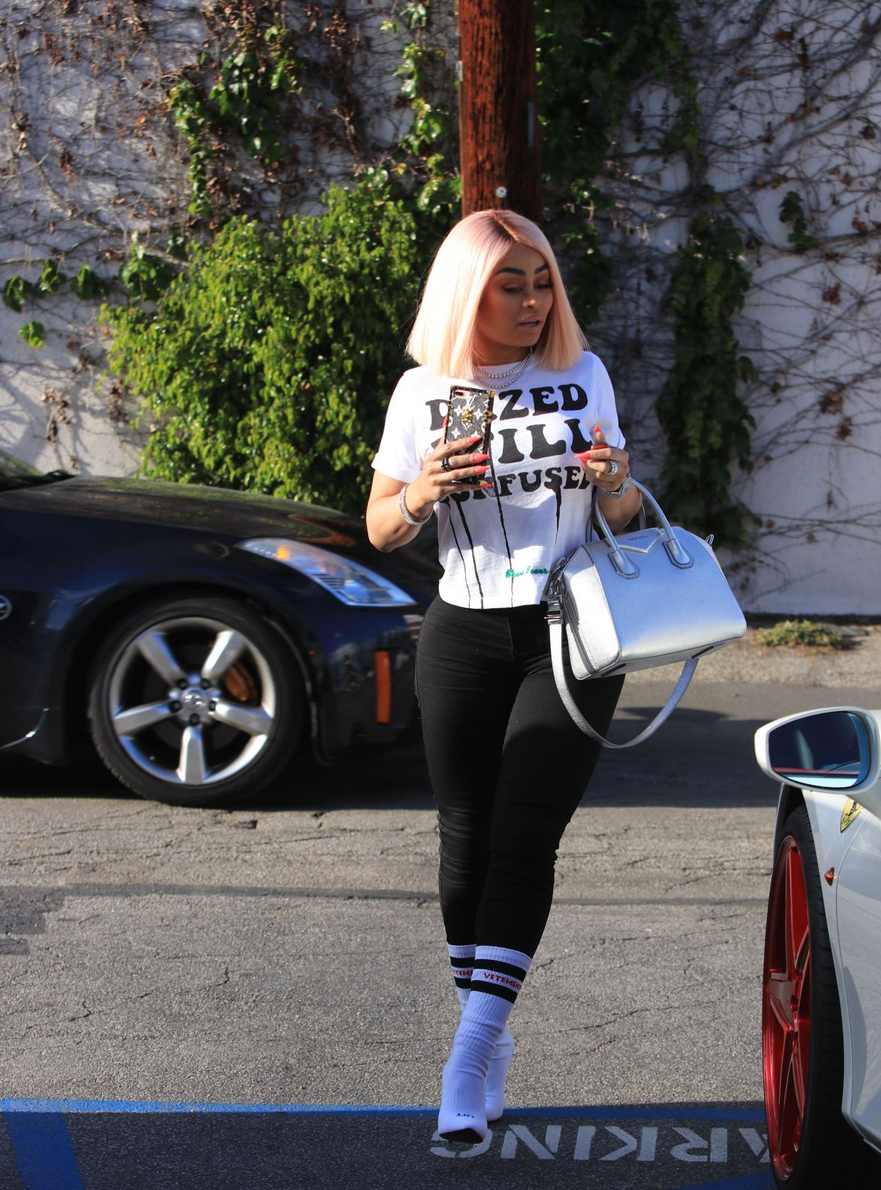 Black Chyna At A Hair Salon In Studio City 04 19 2018