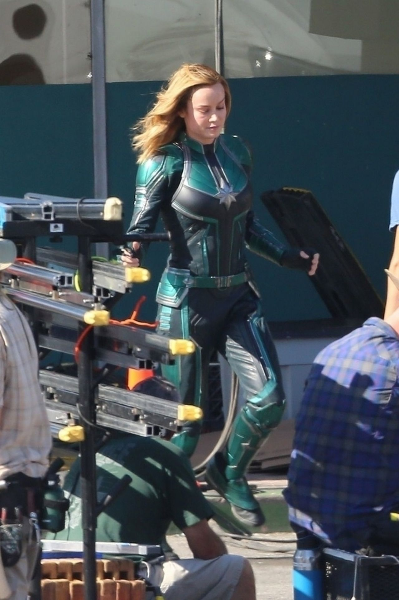 Brie Larson Quot Captain Marvel Quot Set In Los Angeles 04 26 2018