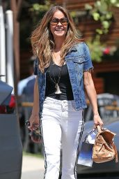 Brooke Burke Casual Style - Santa Monica 04/12/2018