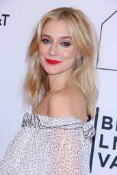 """Caitlin Fitzgerald – """"Sweetbitter"""" Sceening at 2018 Tribeca Film Festival"""