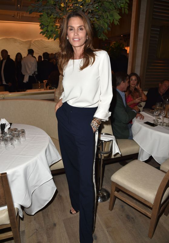 Cindy Crawford – Avra Beverly Hills Grand Opening 04/26/2018