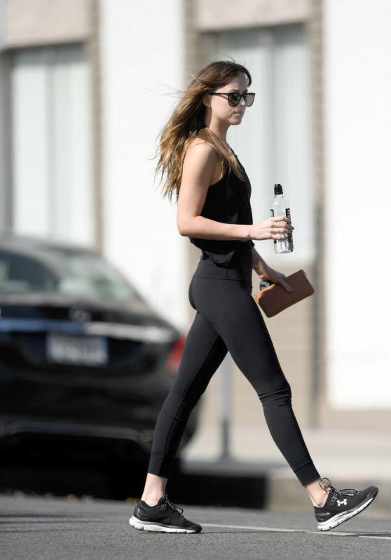 Dakota Johnson in Gym Ready Outfit - Los Angeles 04/25/2018