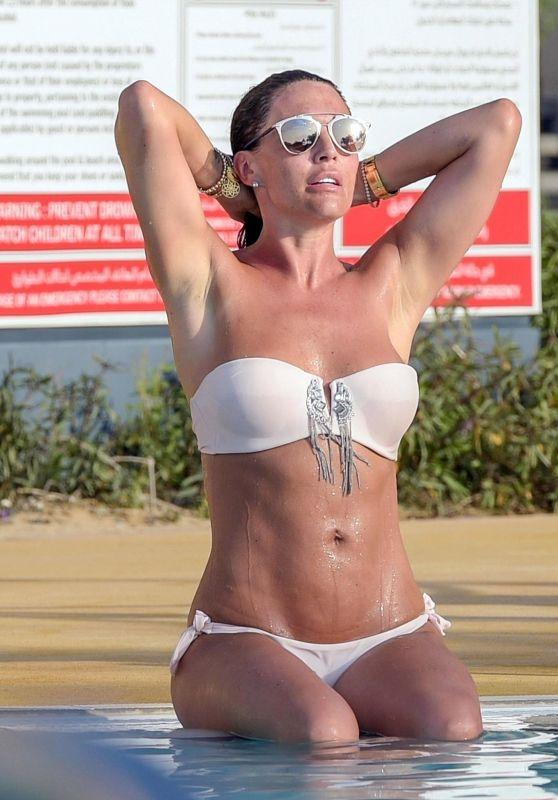 Danielle Lloyd Hot in Bikini - Poolside in Dubai 04/02/2018
