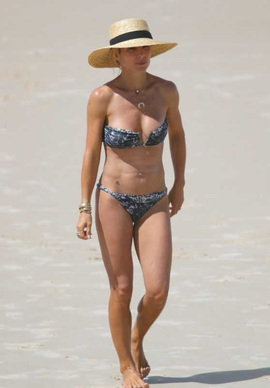 Elsa Pataky in Bikini at the Beach in Byron Bay, April 2018