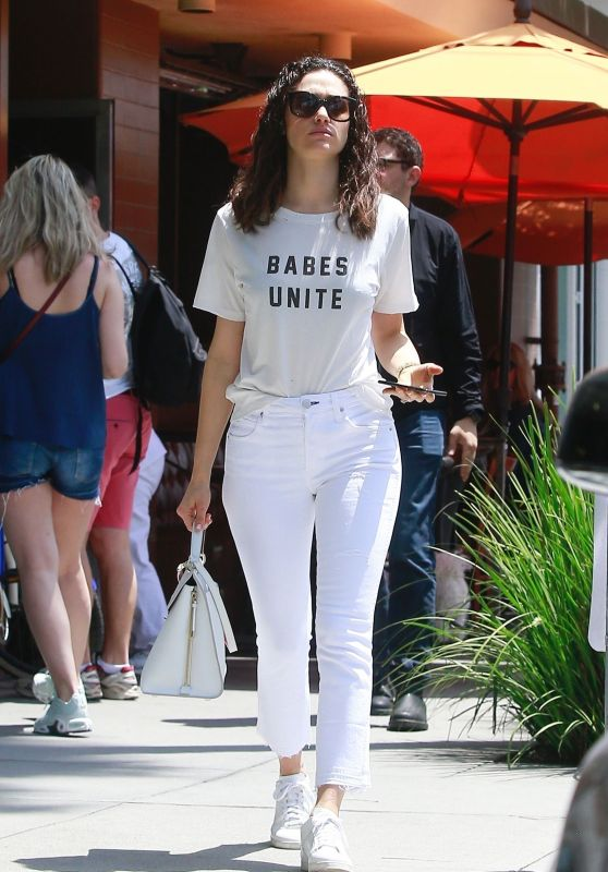 Emmy Rossum - Stop for Lunch in Beverly Hills 04/29/2018