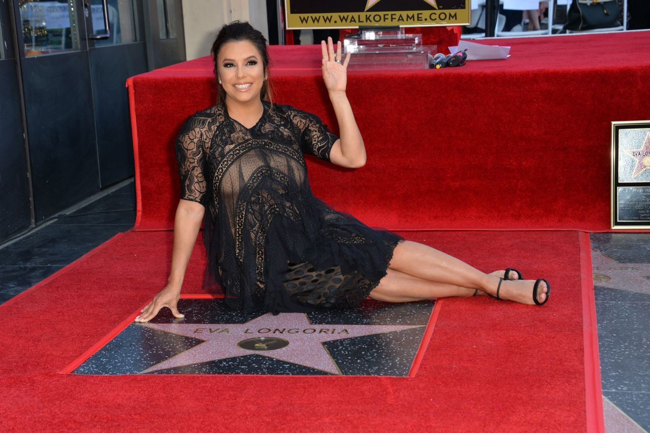 http://celebmafia.com/wp-content/uploads/2018/04/eva-longoria-hollywood-walk-of-fame-in-la-10.jpg