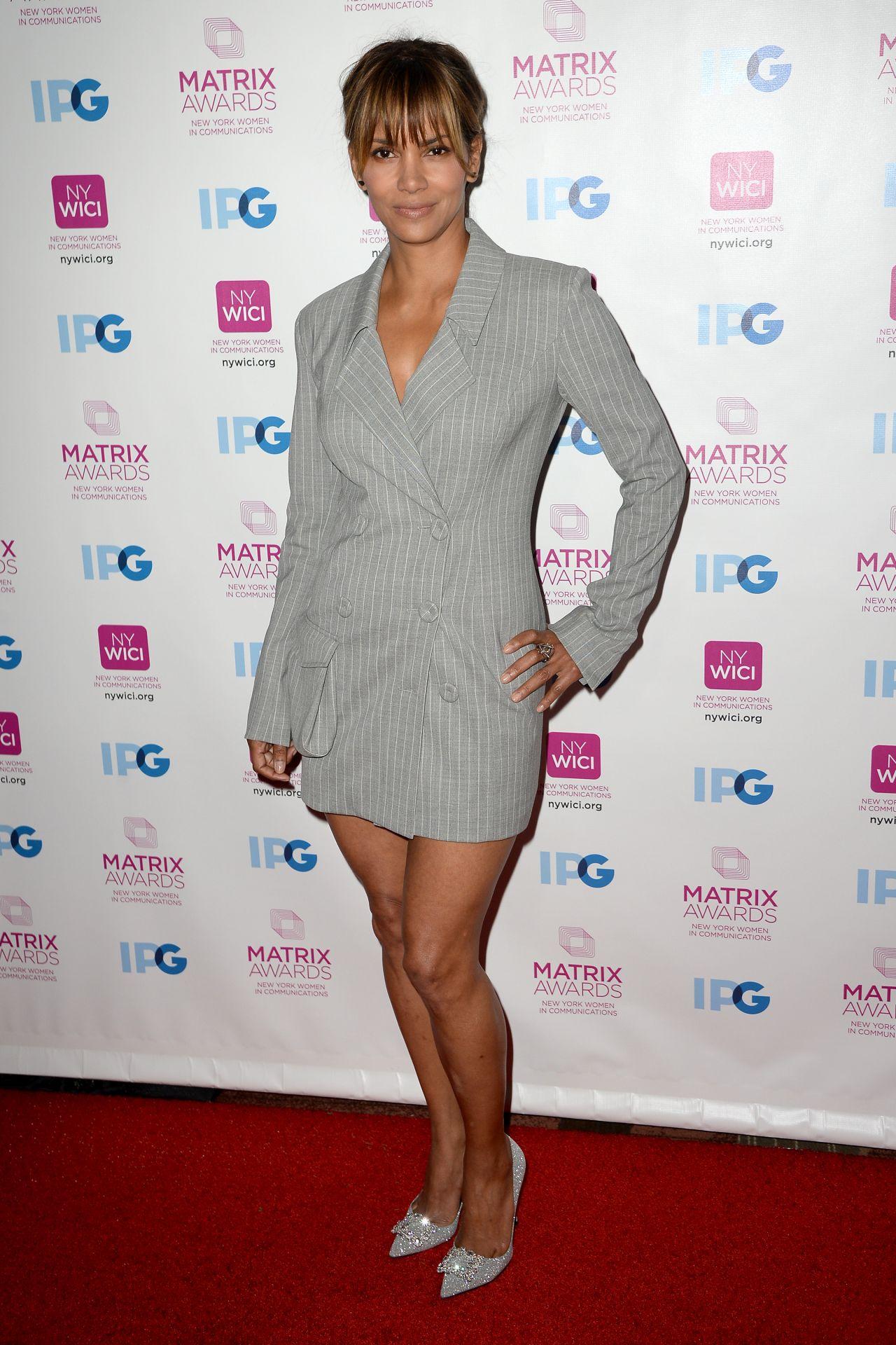 b2360ad1d8d Halle Berry - New York Women In Communication Matrix Awards 2018