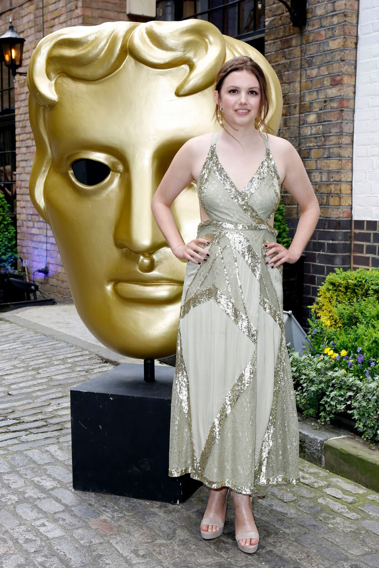 http://celebmafia.com/wp-content/uploads/2018/04/hannah-murray-2018-bafta-tv-craft-awards-in-london-3.jpg