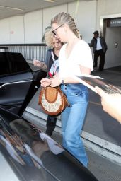January Jones - Arriving at LAX Airport 04/13/2018 x16