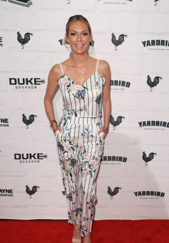 Jasmine Dustin - Yardbird Southern Table & Bar Los Angeles Grand Opening at the Beverly Center