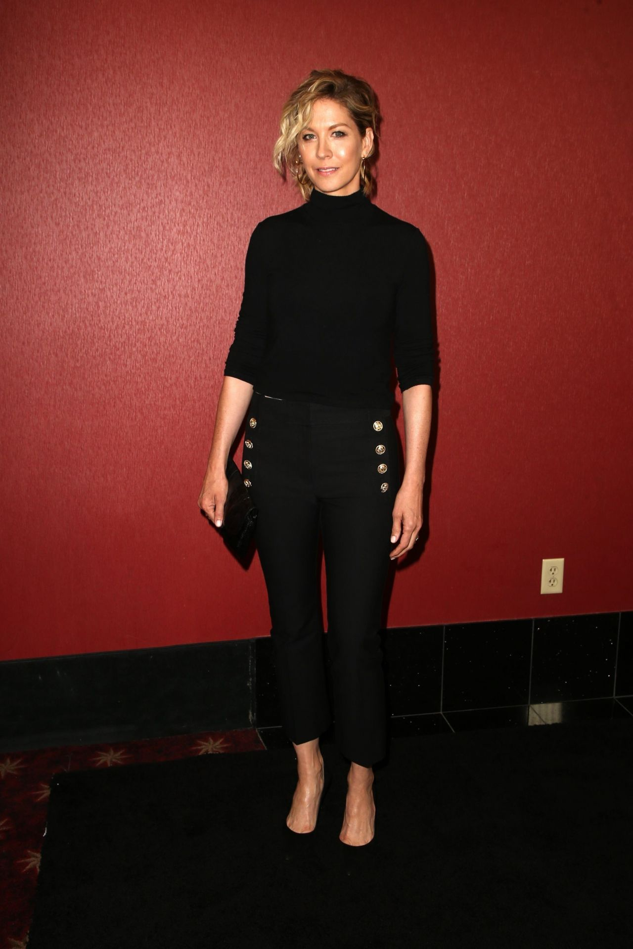 https://celebmafia.com/wp-content/uploads/2018/04/jenna-elfman-fyc-the-walking-dead-and-fear-the-walking-dead-in-la-2.jpg