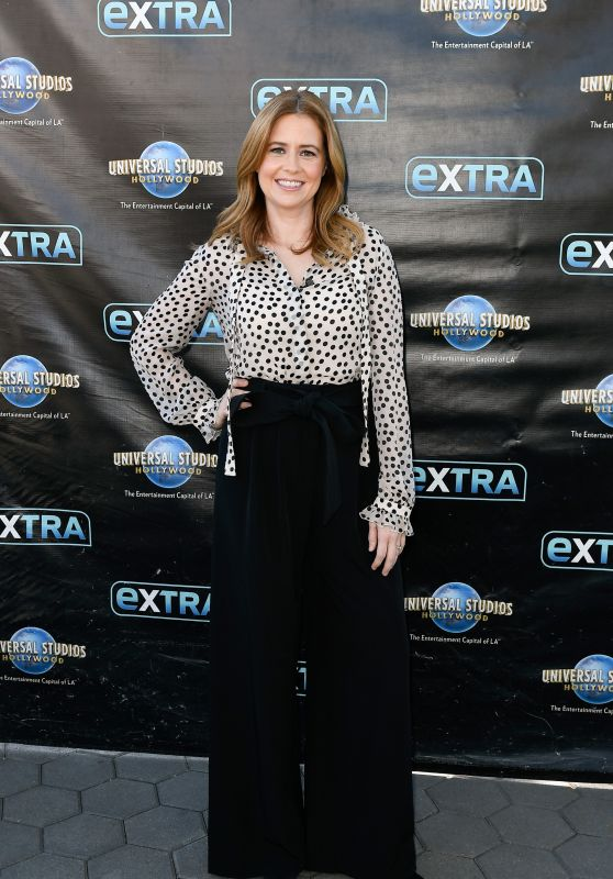 "Jenna Fischer - ""Extra"" in Universal City, March 2018"