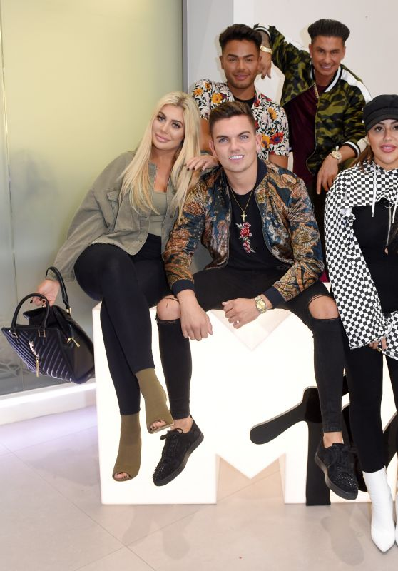 "Jenni Farley, Sam Gowland, Pauly D, Nathan Henry, Snooki, Sophie Kasaei and Chloe Ferry - ""Jersey Shore: Family Vacation"" Press Day in London 04/03/2018"
