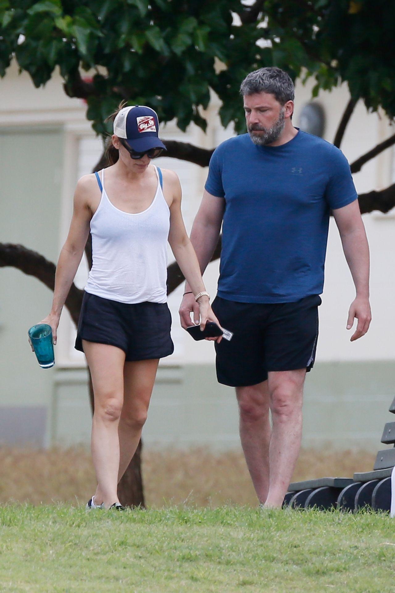 Jennifer Garner Ben Affleck Stroll Hawaii Brentwood