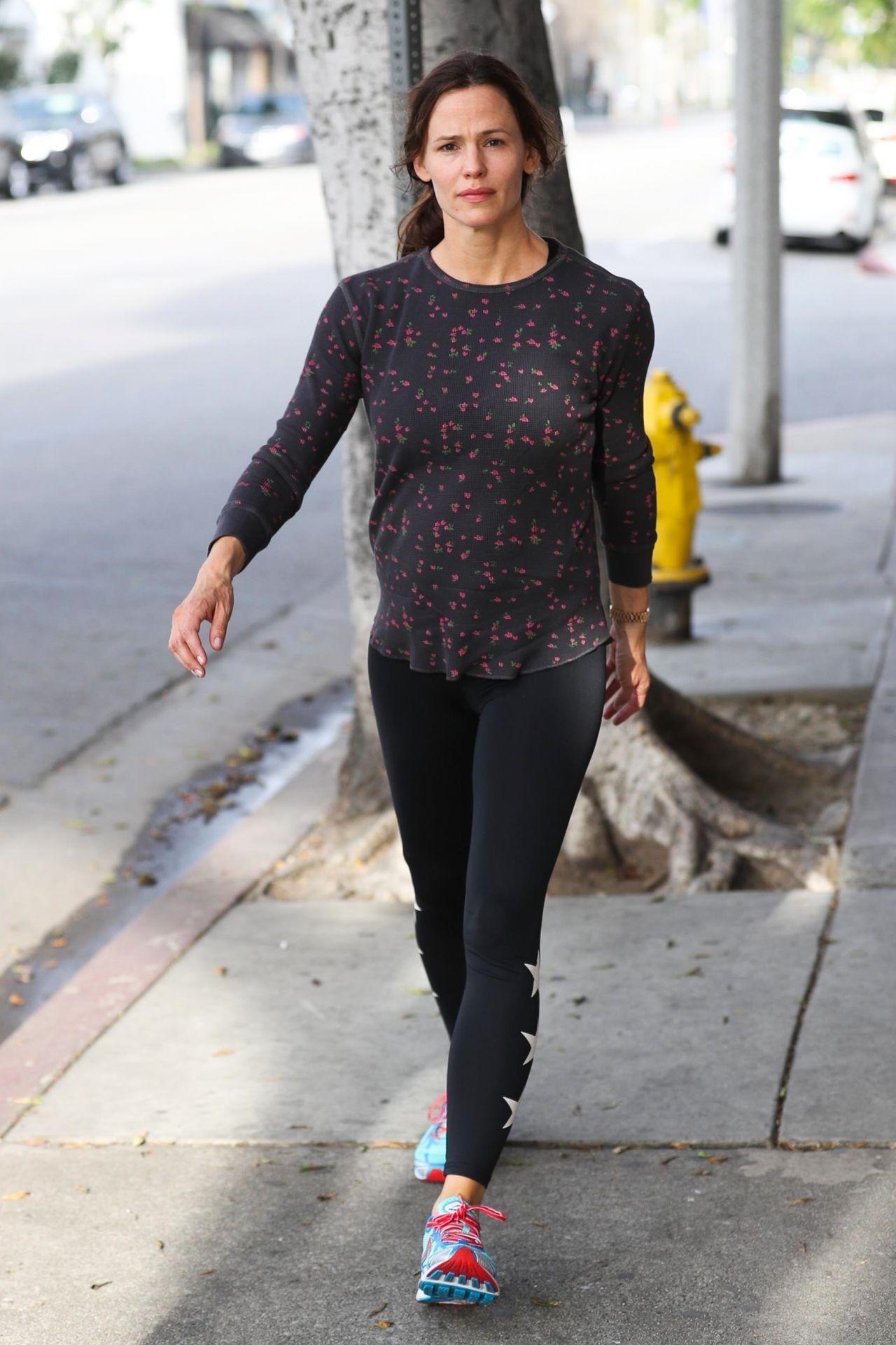 Jennifer Garner - Leaving the Gym in West Hollywood 04/07/2018