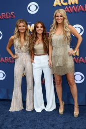 Jennifer Wayne, Naomi Cooke and Hannah Mulholland – 2018 ACM Awards in Las Vegas