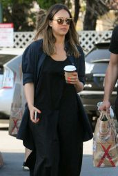 Jessica Alba - Shopping at Bristol Farms in Beverly Hills 04/14/2018