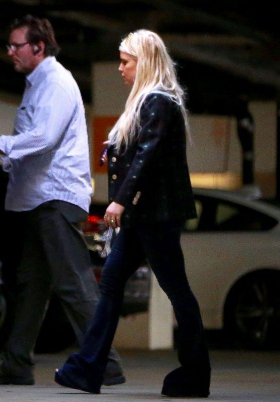 "Jessica Simpson and Eric Johnson - Shopping at ""Barneys New York"""
