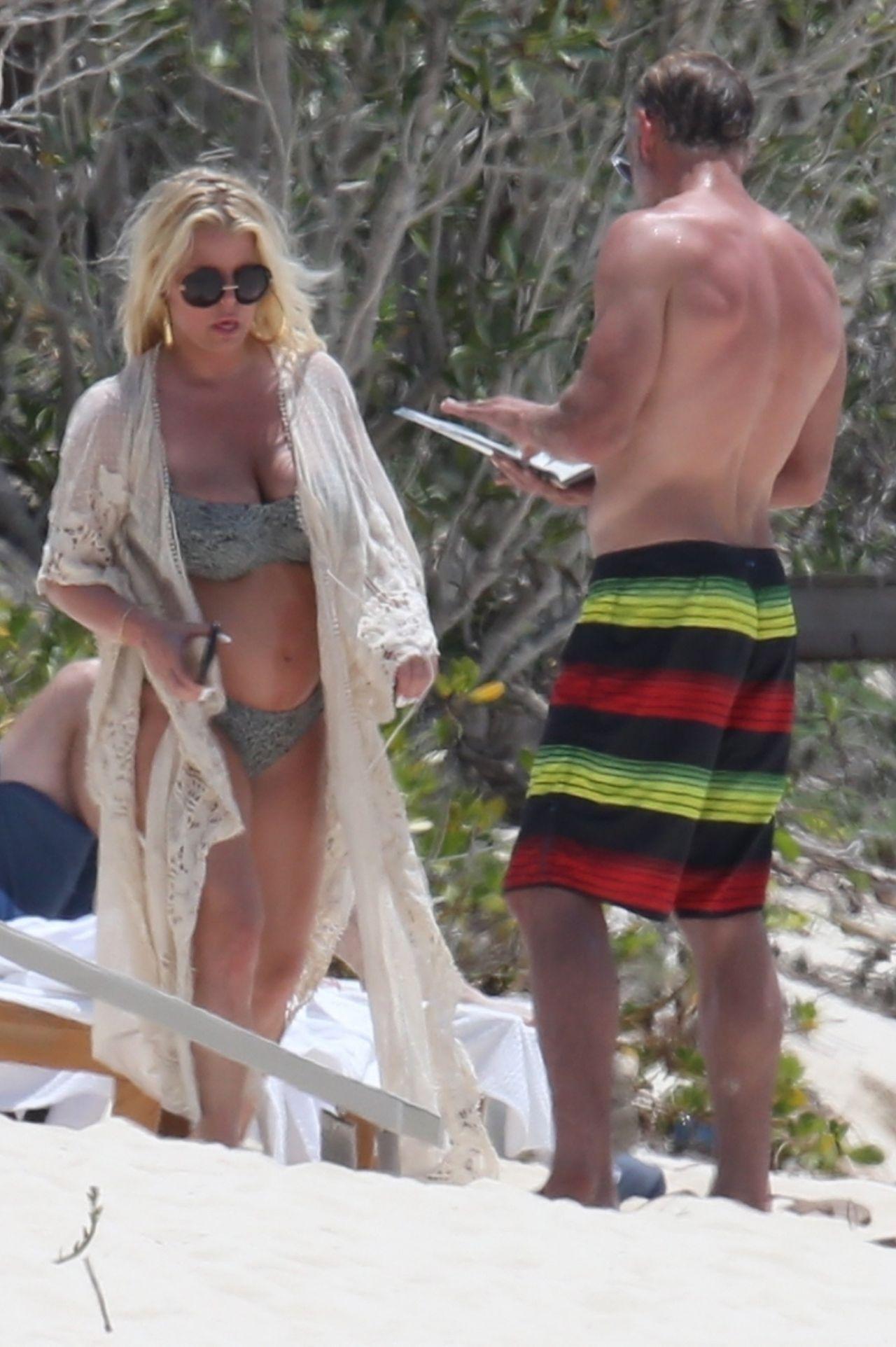 Jessica Simpson Bikini Candids Bahamas 04 27 2018
