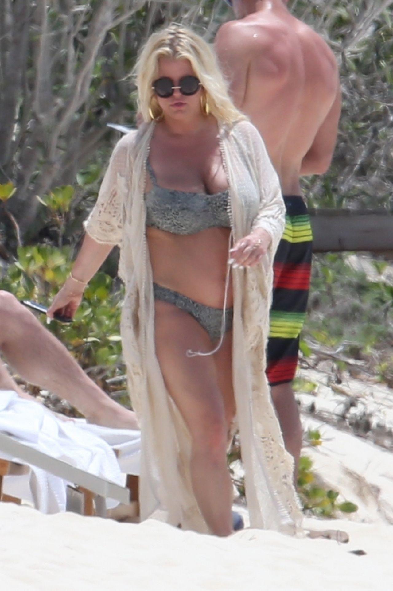 Jessica Simpson Bikini Candids - Bahamas 04272018-2775