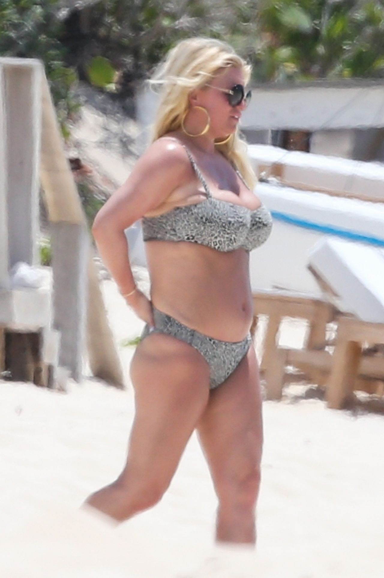 Jessica Simpson Bikini Candids - Bahamas 04272018-4232