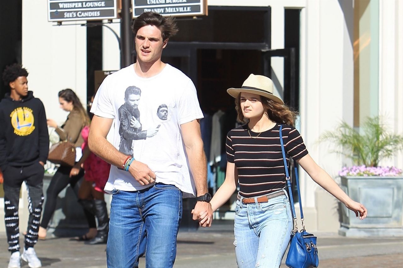 Joey King And Jacob Elordi Shopping At The Grove In La