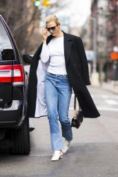 Karlie Kloss in CAsual Outfit - NYC 04/11/2018