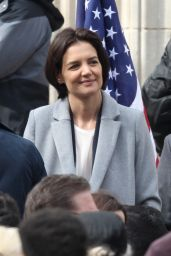 Katie Holmes - Filming a Press Conference Scene For  Untitled FBI/Fox Project in Chicago