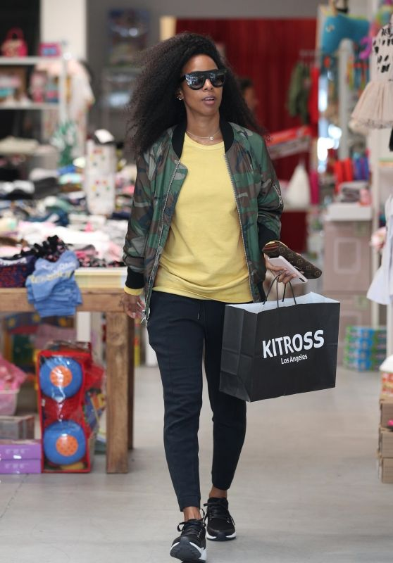 Kelly Rowland - Shopping at Kitross Kids in West Hollywood