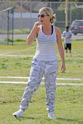 Kendra Wilkinson - Plays Soccer in Los Angeles 04/15/2018