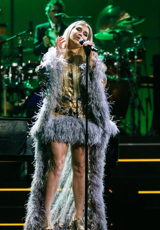 """Kesha – """"Elton John: I'm Still Standing – A Grammy Salute"""" Concert in New York 03/30/2018"""