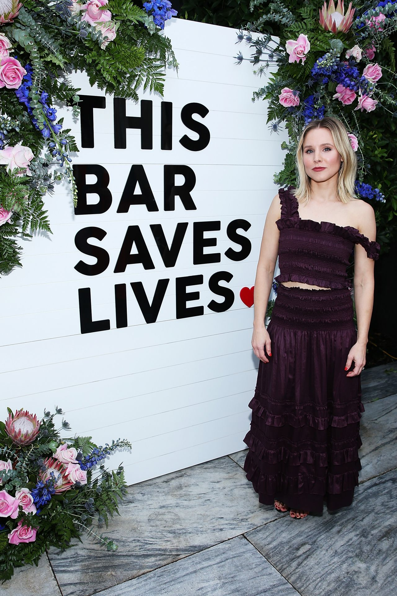 http://celebmafia.com/wp-content/uploads/2018/04/kristen-bell-this-bar-saves-lives-press-launch-party-in-west-hollywood-5.jpg