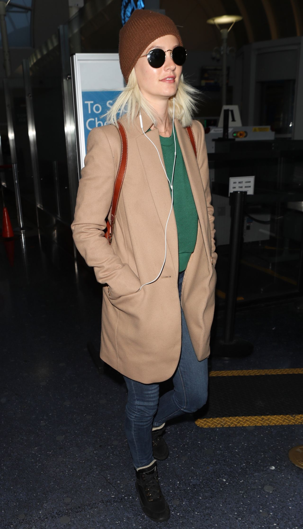 Leighton Meester At Lax In Los Angeles 04 03 2018