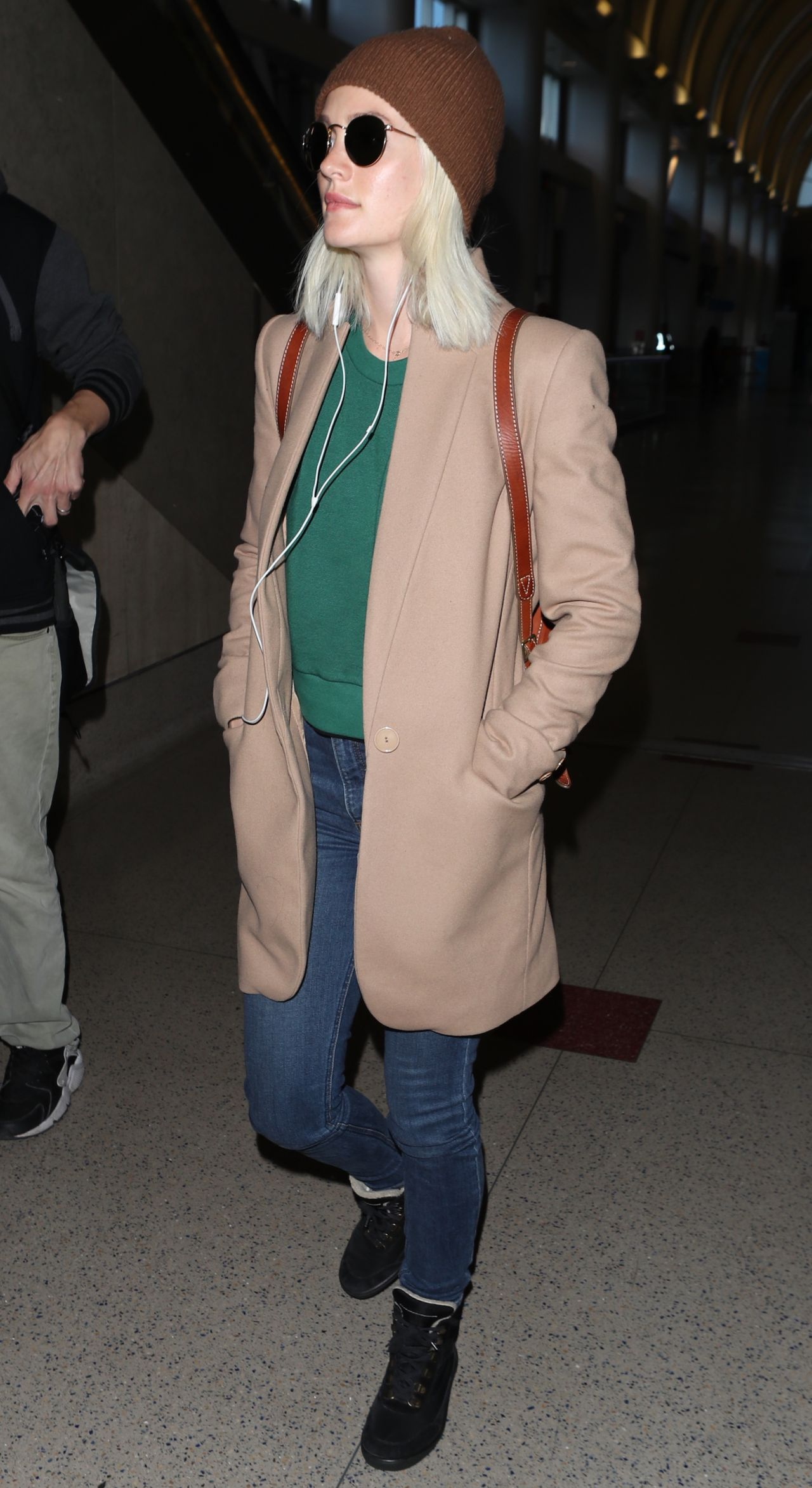 leighton meester at lax in los angeles 04032018