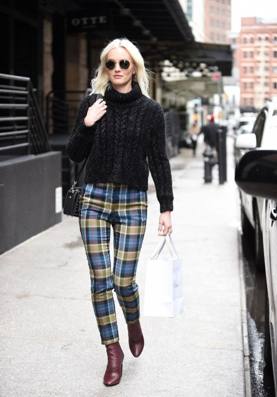 Leighton Meester Street Fashion - Out in New York 04/03/2018