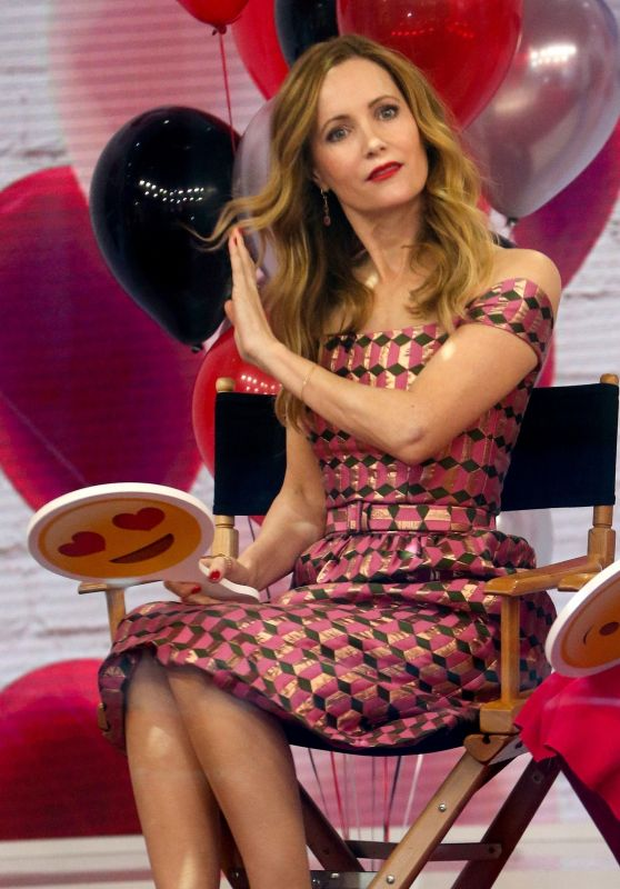"""Leslie Mann at """"Today"""" Show in NYC 04/02/2018"""