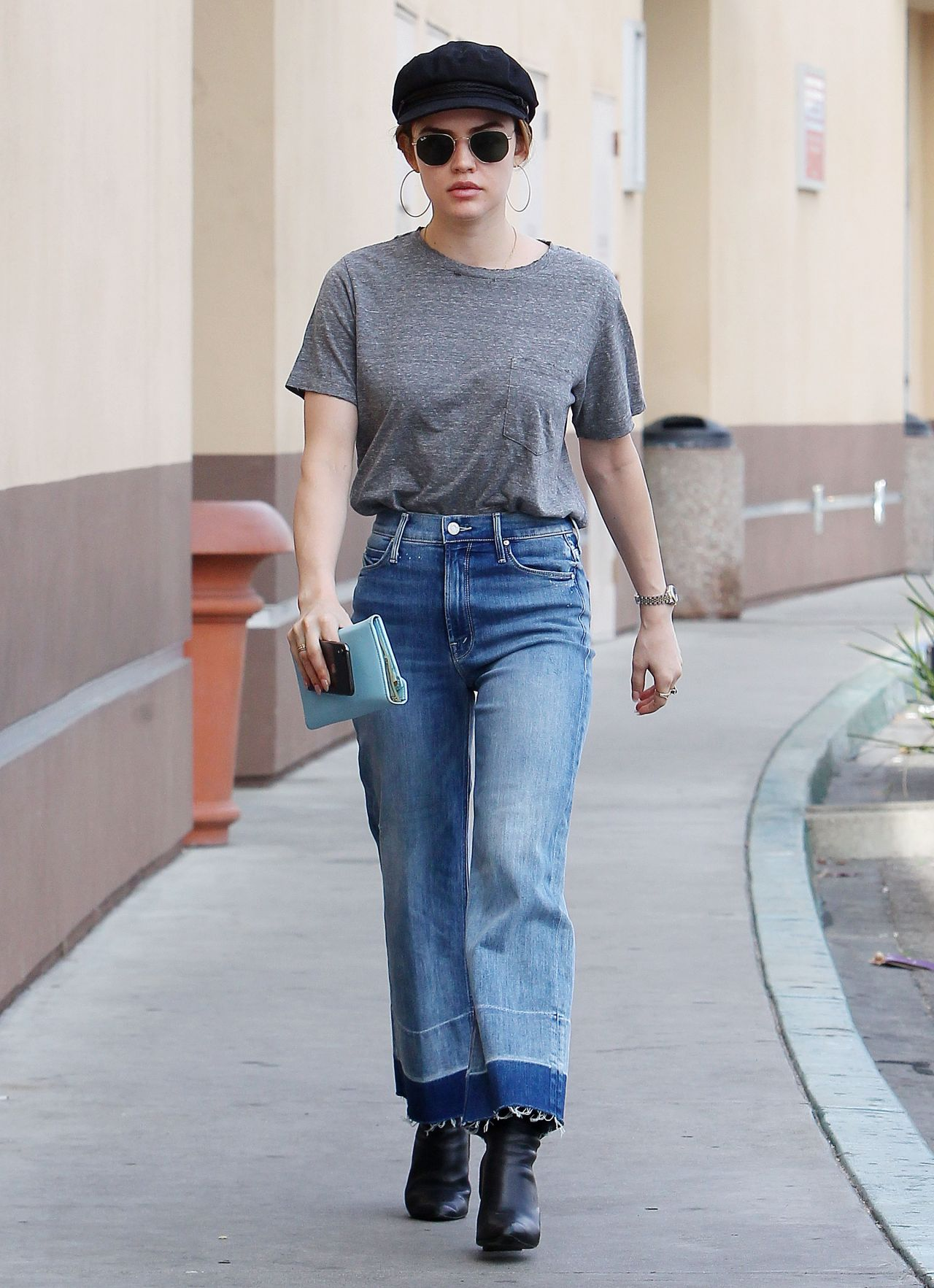 Daleela Echahly Street Fashion: Out In Los Angeles 04/04/2018