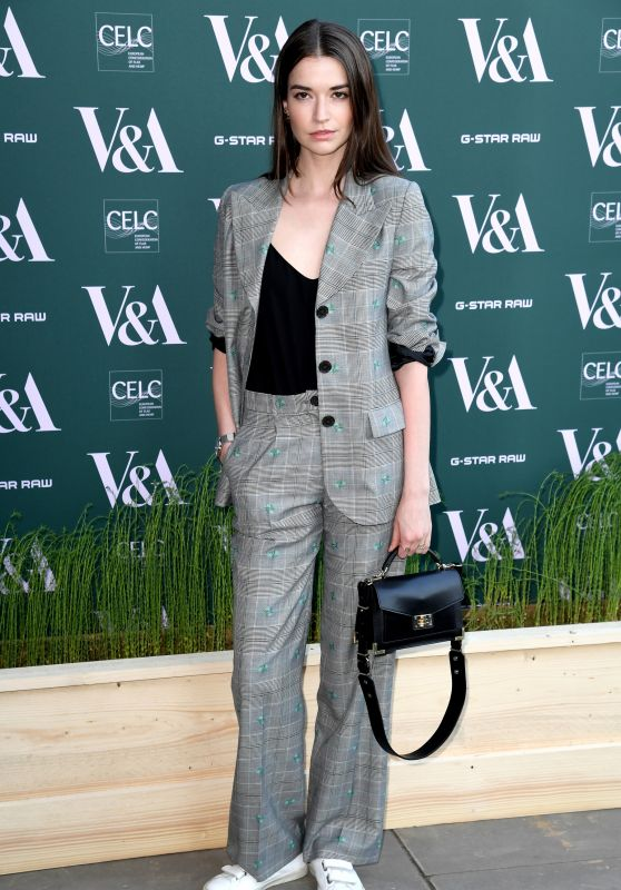 "Margaret Clunie – ""Fashioned For Nature"" Exhibition VIP Preview in London"