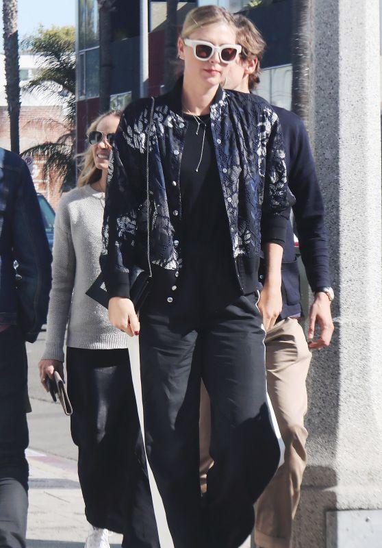 Maria Sharapova - Shopping in the Hamptons in NYC 04/01/2018