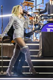 "Miley Cyrus – ""Elton John: I'm Still Standing – A Grammy Salute"" Concert in New York 03/30/2018"