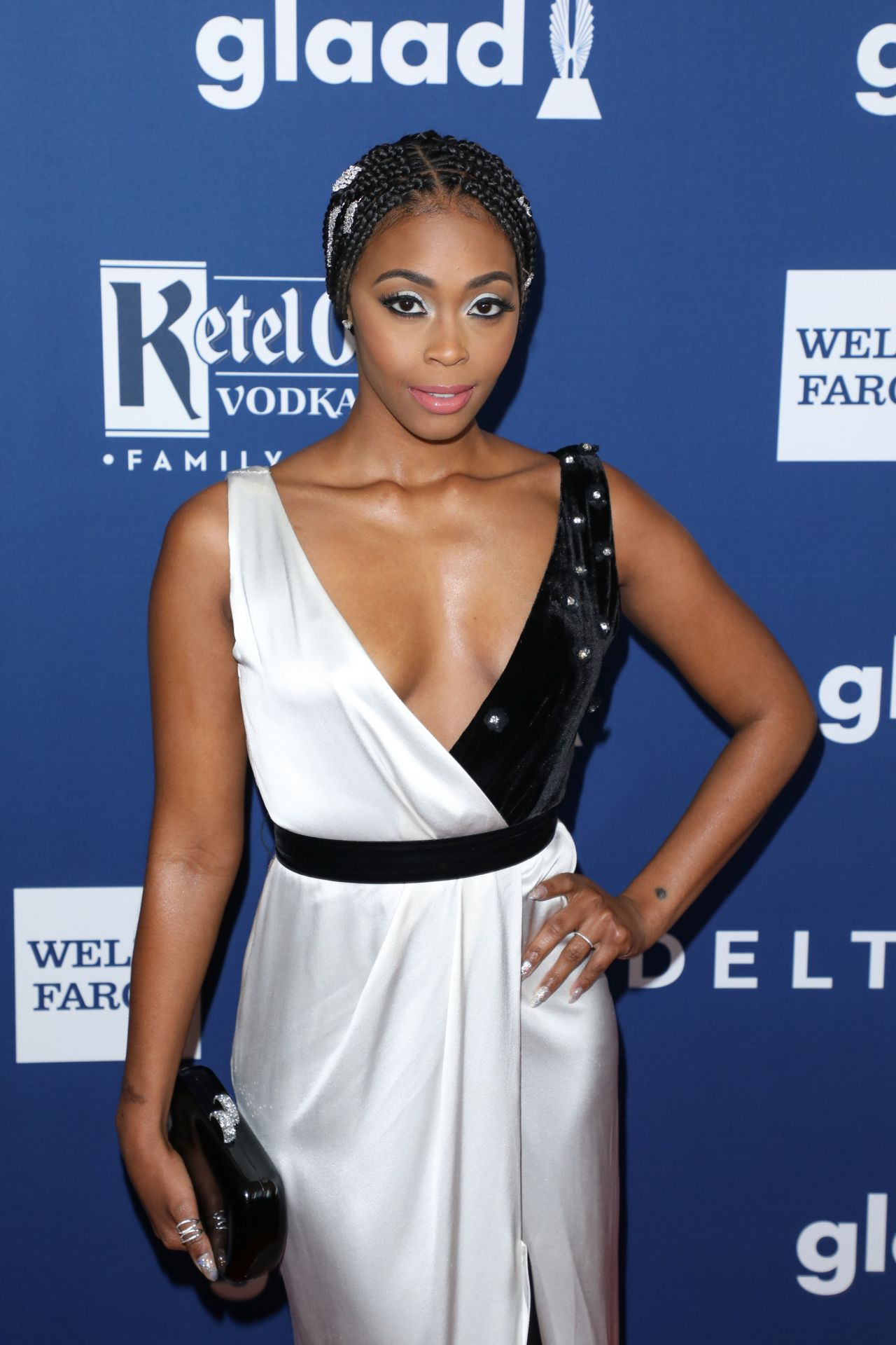 Nafessa Williams – 2... Katy Perry Christmas