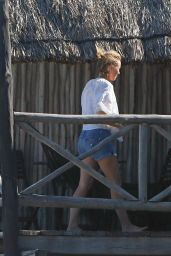 Naomi Watts Candids - Vacation in Tulum, Mexico 04/06/2018
