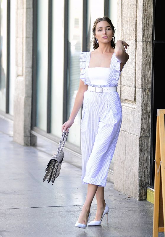 Olivia Culpo Fashion Style - Leaving The Pie Hole Gourmet Pie & Coffee Shop in LA