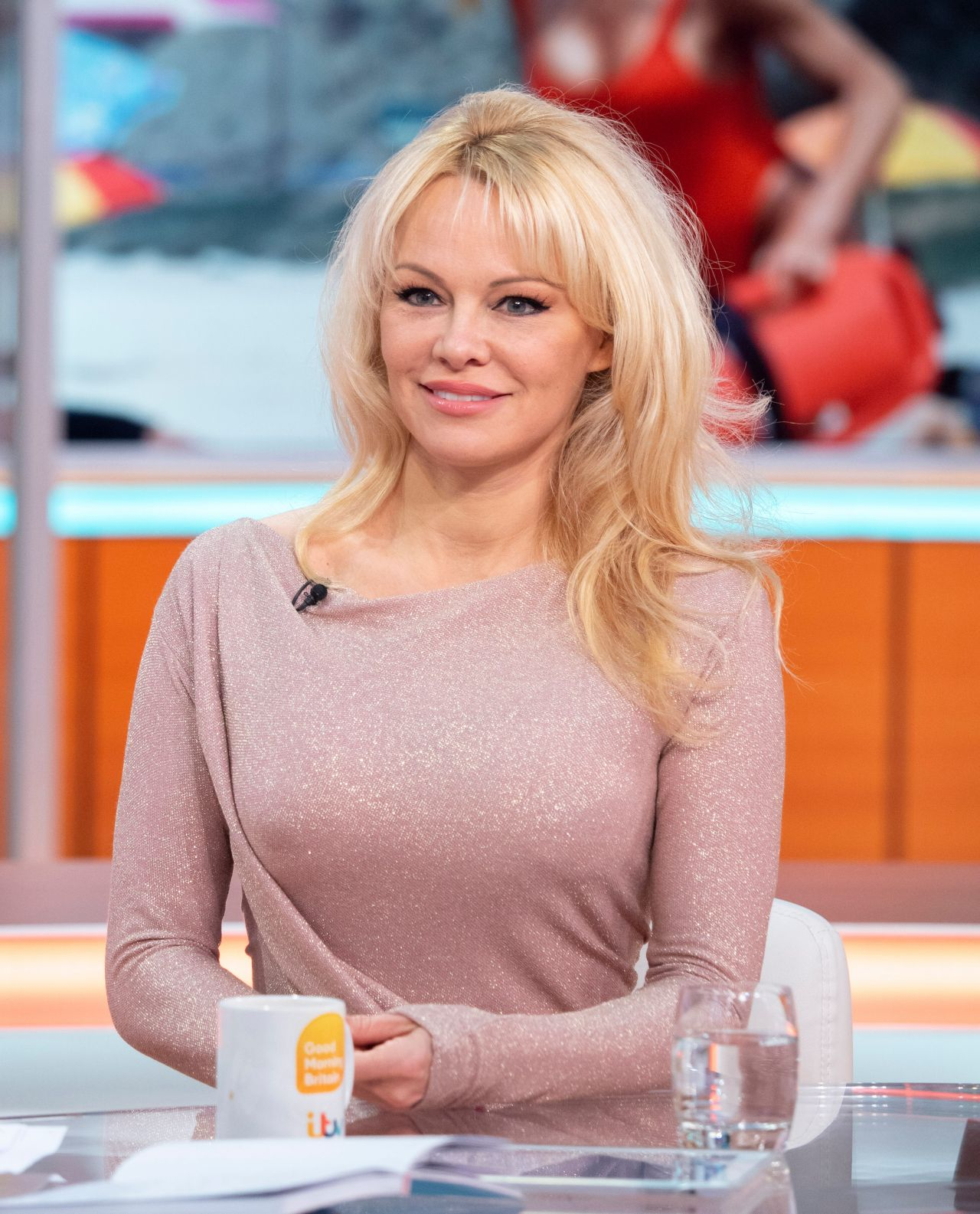 Bmwpanies Latest Models: Pamela Anderson Latest Photos