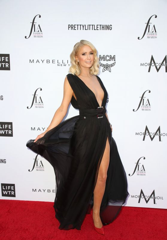 Paris Hilton – The Daily Front Row Fashion Awards in LA