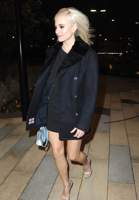 Pixie Lott - Out in London 04/12/2018