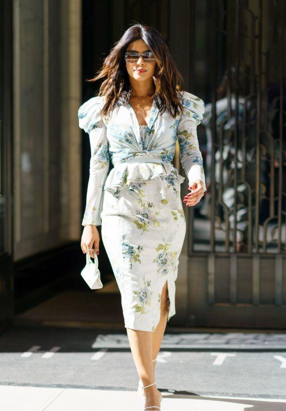 Priyanka Chopra Style - Midtown in New York City 04/24/2018