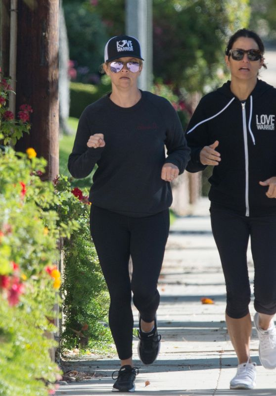 Reese Witherspoon - Going For a Jog in LA 04/17/2018