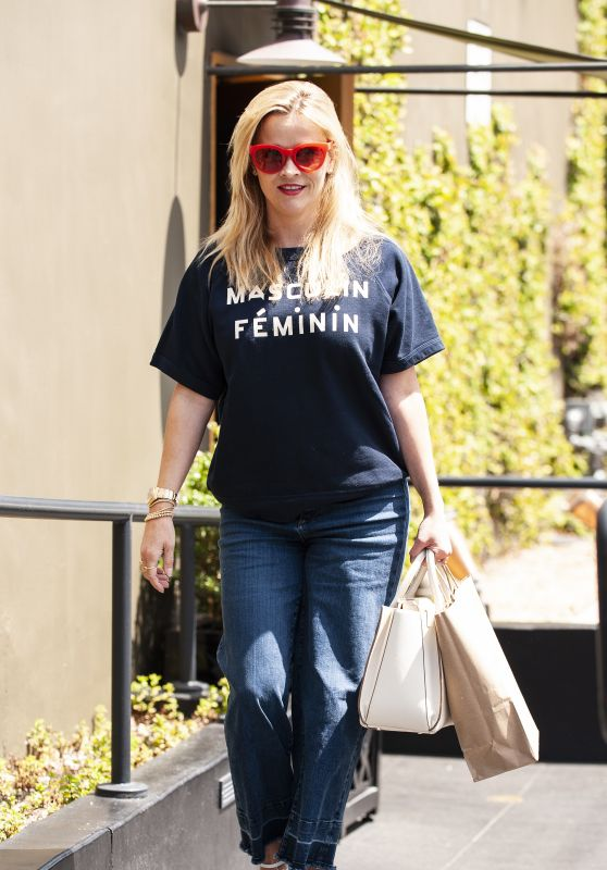 "Reese Witherspoon in ""Masculin Feminin"" Shirt - Leaves R+D Restaurant in Santa Monica"